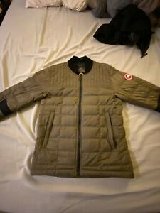 Canada Goose Men's Dunham Down Jacket Size Small S Authentic Military Green