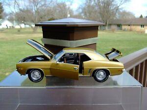 1/24TH Scale 1969 Camaro Z28--Danbury Mint & Franklin Mint Likeness-EXCELLENT-