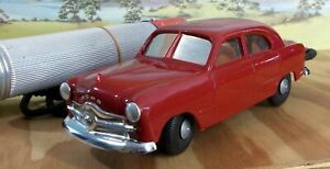 AMT 1:24 SCALE 1949 FORD TUDOR - BATTERY OPERATED CAR, VGC (QTY 1) - USED