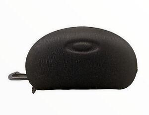Oakley Hard Black Zip Sunglasses Sunglass Case 2 Cloth Cleaner Bags