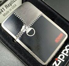Zippo 1941er Replica, ZIPPED/Reißverschluss (von 2012)