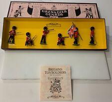 BRITAINS 8810 - GRENADIER GUARDS REGIMENT