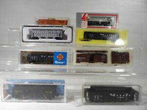 8 N scale Unbranded Mixed  Rolling Stock & Rolling stock kits