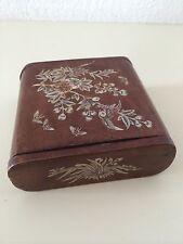 Ancienne  boîte en bois avec incrustations de nacre 19ème chine