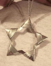 Handsome Openwork Wire-Wound Shiny Silvertone Star Starburst Pendant Necklace