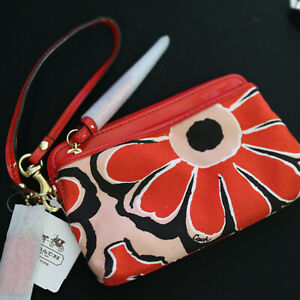 NWT COACH Poppy Floral Red Canvas medium Clutch Double Zip Wallet/ Wristlet NEW