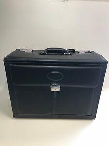 Bugatti EXB003 Executive 17-inch Laptop Briefcase, Black