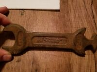 NWE. co Antique National Tractor Wrench 3 in 1 Rare 927 Heavy Iron Vintage Tool