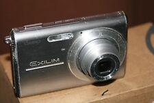 Casio EXILIM EX-Z75 7.2MP Fotocamera Digitale-schermo danneggiato-Batteria di buone.