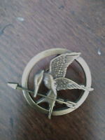 """Brooch Pin"" Hunger Games Mocking Jay - Lions Gate Films - Used"