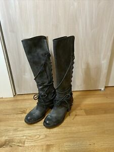EUC GORGEOUS FREEBIRD BY STEVEN COAL WOMAN BLACK DISTRESSED LEATHER BOOTS SIZE 9