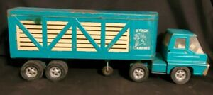1960s Structo Turbine Truck cab And Stock Farms Trailer 23 inches long