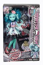 MONSTER HIGH FRIGHTS CAMERA ACTION! HONEY SWAMP DOLL - NEW IN BOX