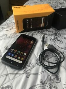 Cat S61 mobile phone - Built-in Flir Thermal Camera, Waterproof