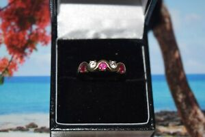 9ct Yellow Gold Red and Clear Stones Twist Ring
