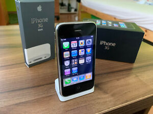 iPhone 3G 8GB iOS 2.2.1 with box