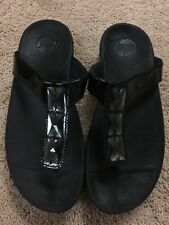 FitFlop Womens Black T-Strap Sandals Size 7