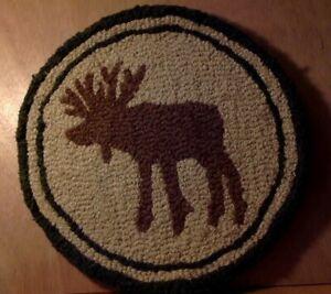 Cabin Decor Moose Hooked Rug Unusual Design 15 Inch Diameter