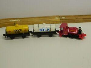 VTG 1996 ERTL Thomas The Tank Engine & Friends SKARLOEY W Milk & Fuel Tankers//