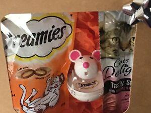 Boxed CAT treats/with fun Dreamies play mouse/birthday/any occasion