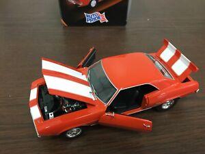 First Gear 1969 Camaro Z28 1:25 Rosso/Bianco Strisce Cappuccio, Porte, Tronco,