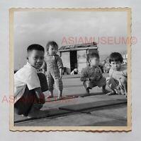1940's BOY BABY CHILDREN STREET PORTRAIT B&W Vintage Hong Kong Photo 29785 香港旧照片