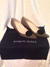 RAMON TENZA Shoes Kitten Heels Pumps - 8.5 AA TAN AND BLACK SUEDE BOW