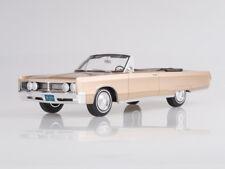 Scale model 1:18 Chrysler Newport Convertible, metallic-beige, 1967