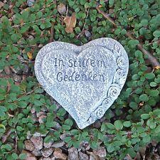 Steinfigur Herz Grabherz Inschrift Grabschmuck Steinguss Hände Beten Frostfest