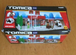 TOMY TOMICA HYPERCITY PIZZA TAKEAWAY SHOP REF 85300 - NEW in BOX