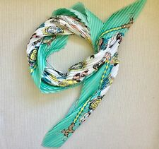 Sophisticated pleated printed scarf, Diamond shape scarf
