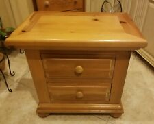 ESTATE SALE BROYHILL FONTANA TRADITIONAL NIGHTSTAND IN HONEY PINE GOOD CONDITION