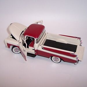 DANBURY MINT 1/24 1957 DODGE SWEPTSIDE D100 PICKUP **WHITE & RED** MINT