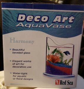 RED SEA DECO ART AQUA VASE, BEAUTIFUL BEVELED STYLED GLASS!