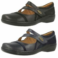 Clarks Women's Low (0.5-1.5 in.) Mary Janes Heels