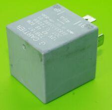 739187 Peugeot & Citroen 90-10 Flasher Relay G. Cartier 3-Pin 9563533980 01