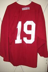 PHOENIX COYOTES rare worn Shane Doan red #19 practice jersey 2003-13 seasons