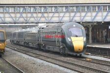 PHOTO  CLASS 800 AT NEWBURY RAILWAY STATION