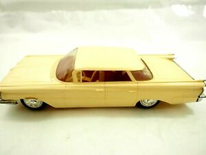 Scarce 1958 Oldsmobile Ninety Eight Crème ColorJohan Motors Plastic Dealer Promo