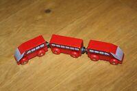 Zug rot für Holzeisenbahn wie Brio Eichhorn