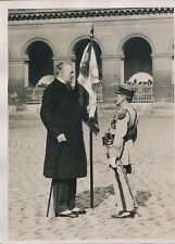 PARIS c. 1930 - André Maginot Ancien Combattant Drapeau aux Invalides - PRM 604