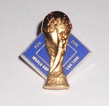 Pin's Football / Coupe Du Monde - World Cup FIFA USA 1994 (signé FIFA)