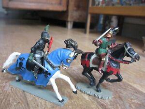 Starlux lot de 2 chevaliers moyen age  (TBE)