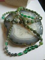 vintage kette mit verschiedenen grünen glas perlen und similis 70er -80er