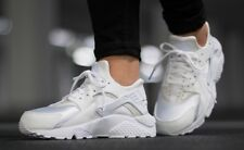 NIKE AIR HUARACHE RUN  SZ: 5.5 WMNS (634835 108)