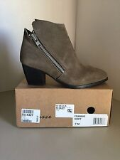 Matisse Frankie Gray Suede Ankle Boots Size 7M *NEW