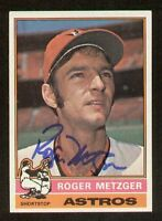 Roger Metzger #297 signed autograph auto 1976 Topps Baseball Trading Card