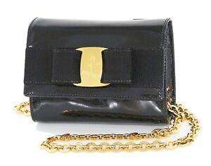Auth SALVATORE FERRAGAMO Vara Ribbon Black Patent Leather Small Pochette #34302