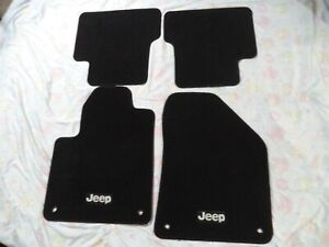 2014-2018 Genuine Jeep Cherokee Black Floor Mats 4pieces OEM