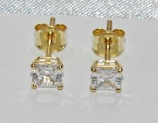 9ct Gold 1.00ct Princess Cut Ladies Solitaire Stud Earrings